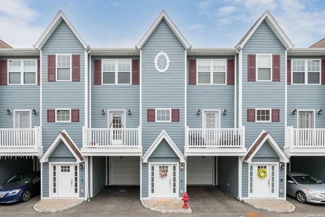 18 Hearthstone, Farmingdale, NY 11735 (MLS #3310092) :: Barbara Carter Team