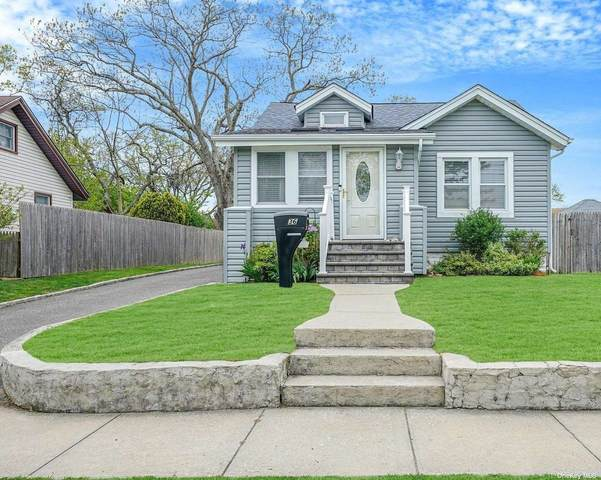 36 Highland Avenue, Patchogue, NY 11772 (MLS #3310097) :: Signature Premier Properties