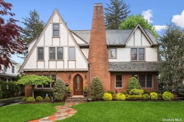 117 Meadbrook Road, Garden City, NY 11530 (MLS #3310165) :: Signature Premier Properties