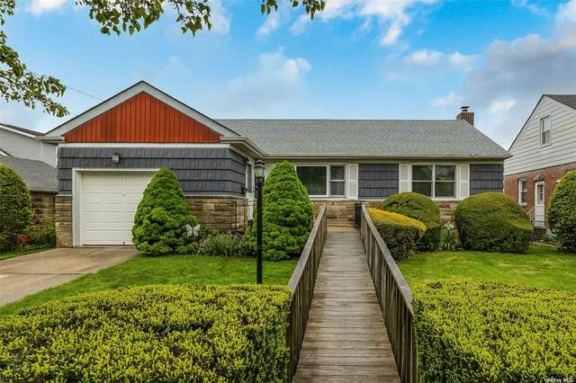 3 Evergreen Avenue, New Hyde Park, NY 11040 (MLS #3310237) :: RE/MAX RoNIN