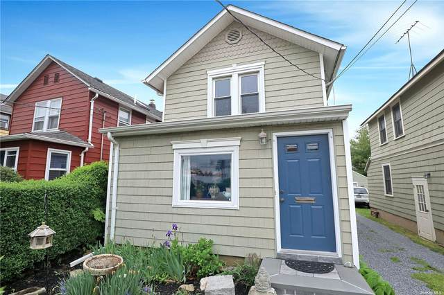 12 Evergreen Avenue, Port Washington, NY 11050 (MLS #3310310) :: RE/MAX RoNIN