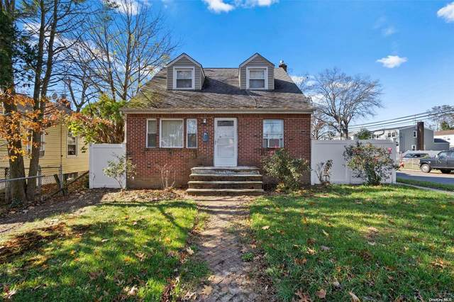 109 Ellison Avenue, Westbury, NY 11590 (MLS #3310343) :: RE/MAX RoNIN