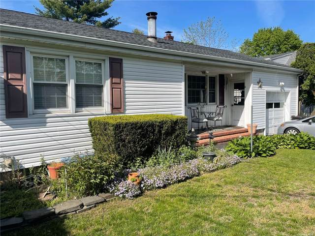 129 Little Plains Road, Huntington, NY 11743 (MLS #3310434) :: Mark Boyland Real Estate Team