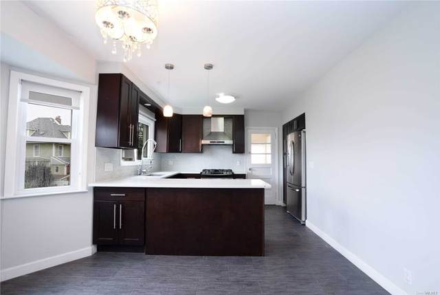 5-21 College Place #1, College Point, NY 11356 (MLS #3310461) :: Keller Williams Points North - Team Galligan