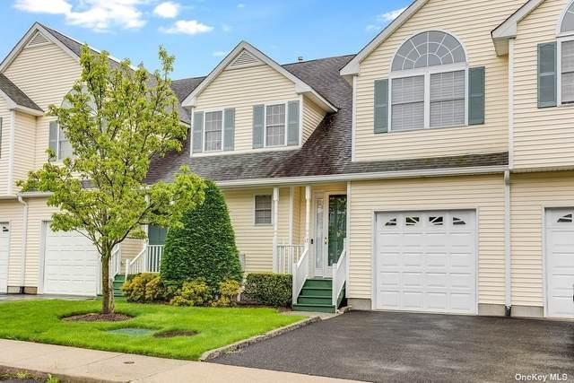 17 Spring Court #17, Huntington, NY 11743 (MLS #3310492) :: Signature Premier Properties