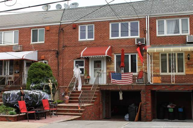 61-23 69th Lane, Middle Village, NY 11379 (MLS #3311295) :: Frank Schiavone with William Raveis Real Estate