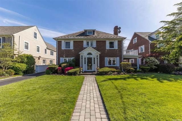 360 Demott Avenue, Rockville Centre, NY 11570 (MLS #3311723) :: Carollo Real Estate