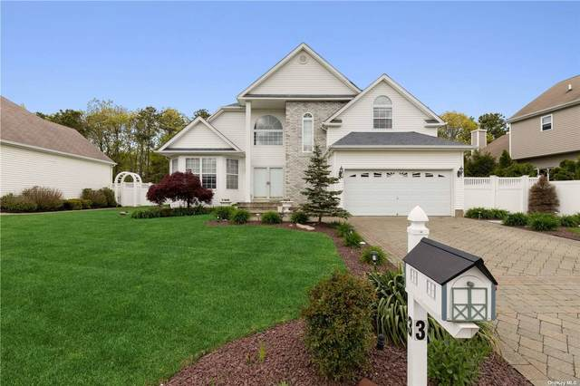 3 Marigold, Holtsville, NY 11742 (MLS #3311780) :: McAteer & Will Estates | Keller Williams Real Estate