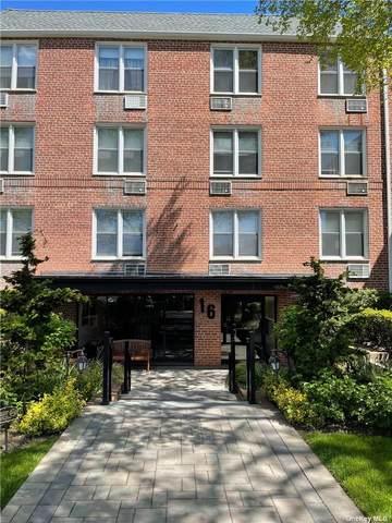 16 Main Street 2W, E. Rockaway, NY 11518 (MLS #3312281) :: Barbara Carter Team