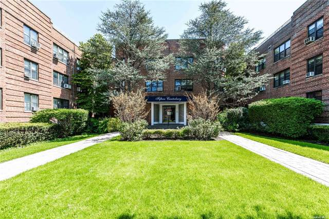 15 Canterbury Road B28, Great Neck, NY 11021 (MLS #3312321) :: Carollo Real Estate