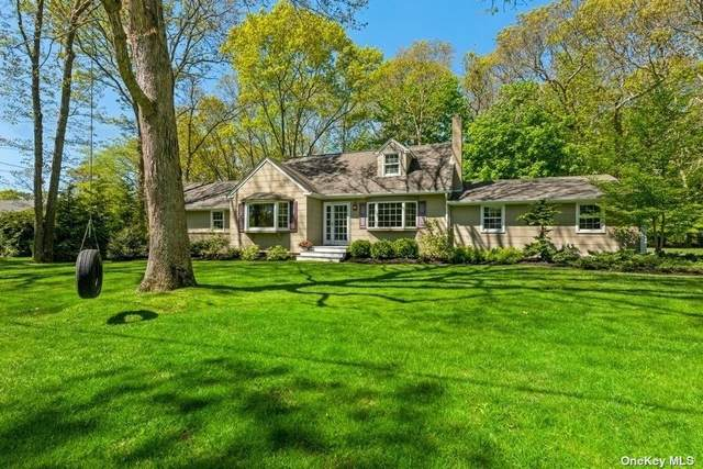 910 Oakwood Drive, Southold, NY 11971 (MLS #3312933) :: Mark Boyland Real Estate Team