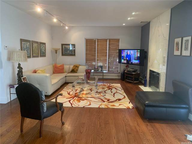 39-10 234th Street, Douglaston, NY 11363 (MLS #3313831) :: Kendall Group Real Estate   Keller Williams