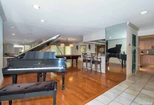305 Vista Drive, Jericho, NY 11753 (MLS #3314587) :: Goldstar Premier Properties