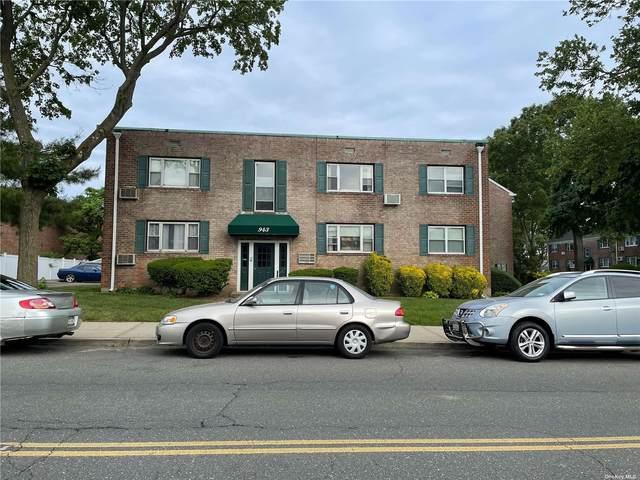 943 Fenwood Drive #4, Valley Stream, NY 11580 (MLS #3315727) :: Shalini Schetty Team