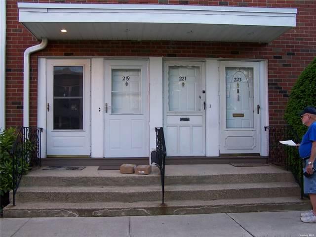 219 Farber Drive #219, W. Babylon, NY 11704 (MLS #3315802) :: RE/MAX RoNIN
