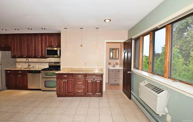 72-52 Metropolitan Avenue 3B, Middle Village, NY 11379 (MLS #3317720) :: Goldstar Premier Properties