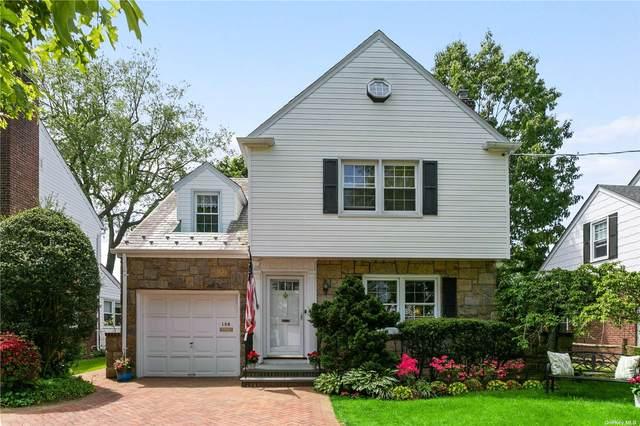 108 Muirfield Road, Rockville Centre, NY 11570 (MLS #3318101) :: Carollo Real Estate