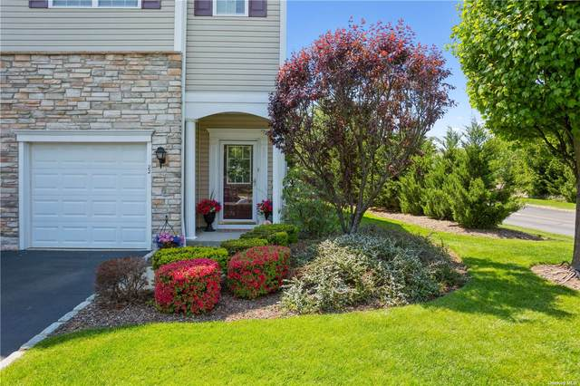 22 Sugar Pine Lane, Bay Shore, NY 11706 (MLS #3318423) :: Carollo Real Estate