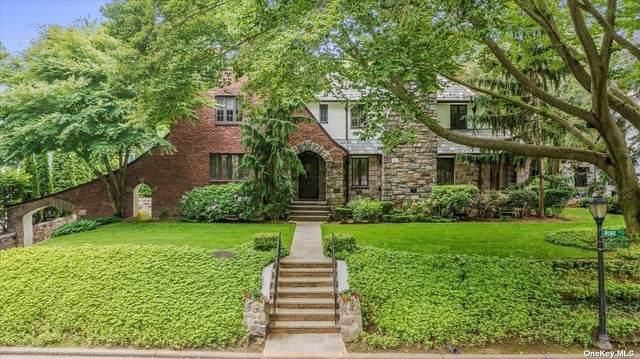 56 Deepdale Drive, Great Neck, NY 11021 (MLS #3318676) :: Carollo Real Estate