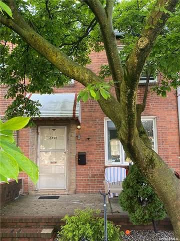 63-28 76th Street, Middle Village, NY 11379 (MLS #3318873) :: Carollo Real Estate