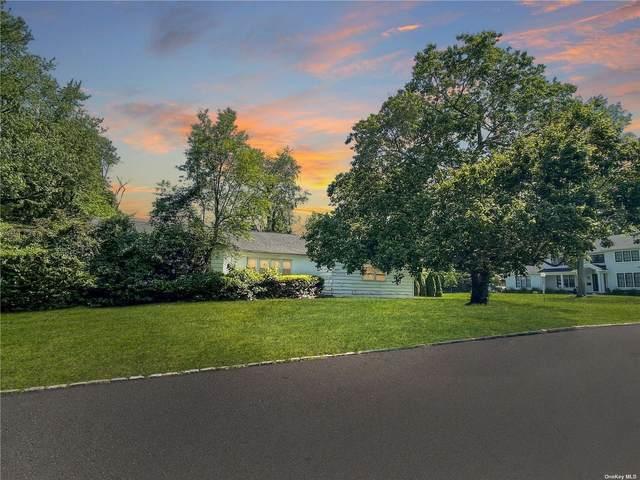 5 Spruce Drive, East Hills, NY 11576 (MLS #3319224) :: Carollo Real Estate