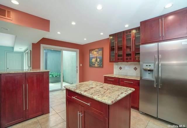 83 Estate Drive #83, Jericho, NY 11753 (MLS #3319285) :: Carollo Real Estate
