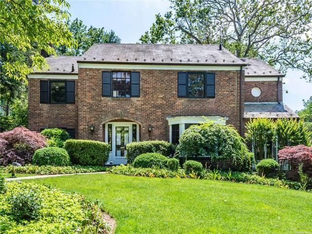 18 Stonehenge Road, Great Neck, NY 11023 (MLS #3319540) :: Carollo Real Estate