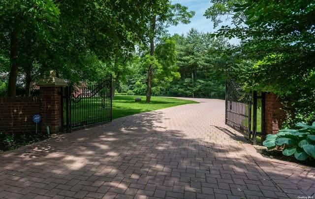 15 Twin Ponds Lane, Oyster Bay Cove, NY 11791 (MLS #3319795) :: Keller Williams Points North - Team Galligan