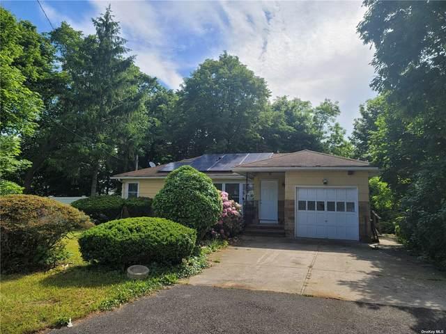 409 Columbus Avenue, E. Patchogue, NY 11772 (MLS #3319889) :: Carollo Real Estate