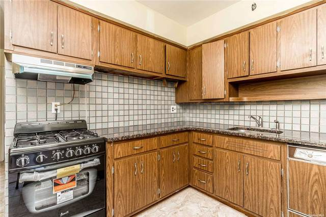72-41 66th Drive, Middle Village, NY 11379 (MLS #3320085) :: Carollo Real Estate
