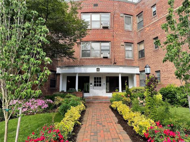4 Townhouse Place 2G, Great Neck, NY 11021 (MLS #3320129) :: Carollo Real Estate
