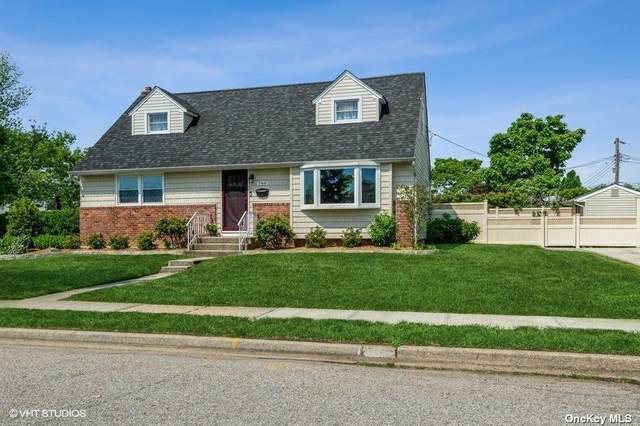 766 Woodbridge Ln E, Wantagh, NY 11793 (MLS #3320201) :: Carollo Real Estate