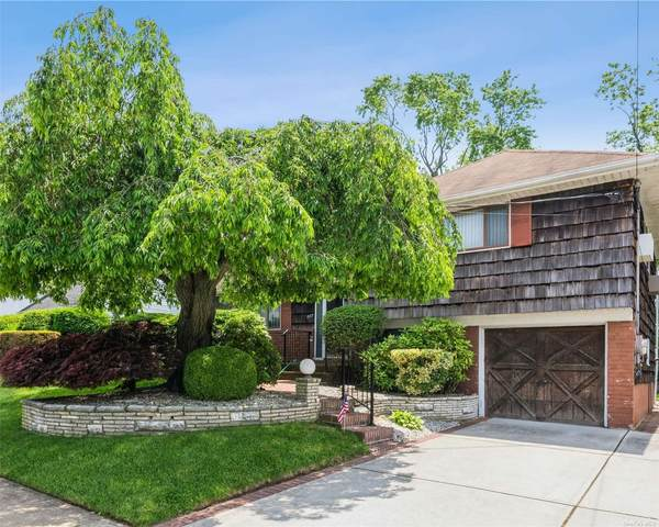 237 W Henrietta Avenue, Oceanside, NY 11572 (MLS #3320485) :: Carollo Real Estate