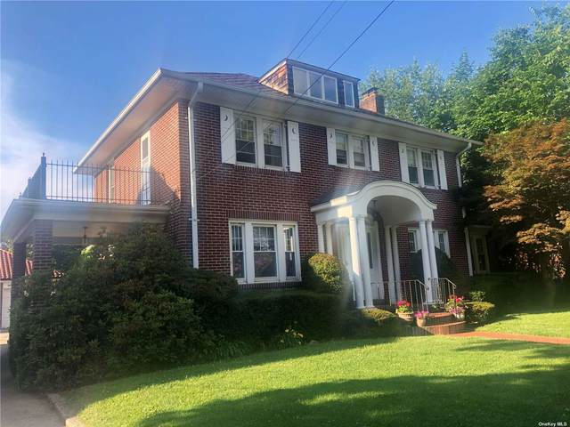 4 Landing Road, Glen Cove, NY 11542 (MLS #3320509) :: Carollo Real Estate