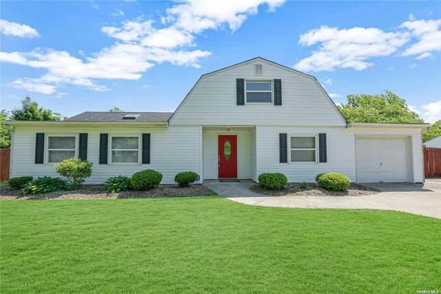 4 Horizon Gate, Bellport, NY 11713 (MLS #3320650) :: Carollo Real Estate