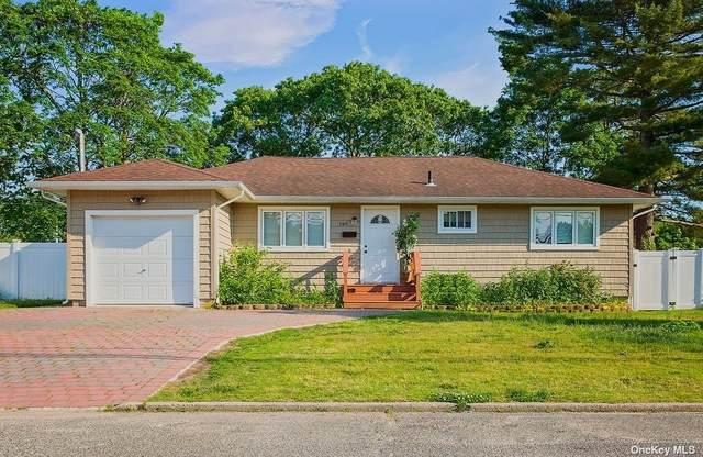 140 New York Avenue, Bay Shore, NY 11706 (MLS #3320653) :: Carollo Real Estate