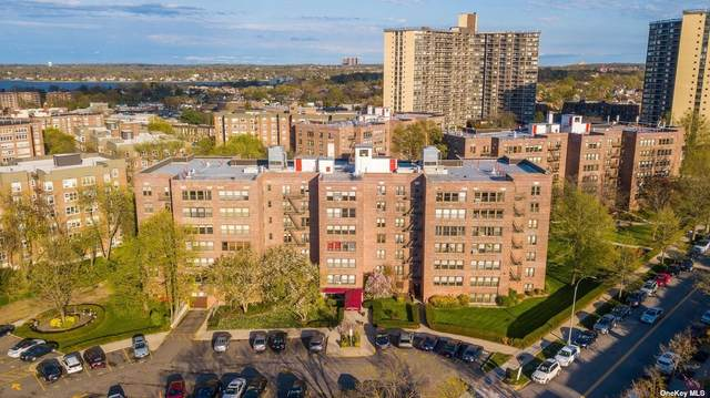 18-55 Corporal Kennedy Street 6C, Bayside, NY 11360 (MLS #3320668) :: Carollo Real Estate