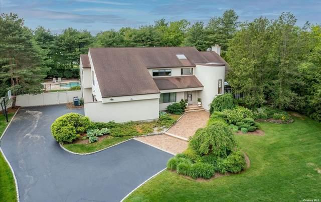 4 Polo Court, Woodbury, NY 11797 (MLS #3320764) :: Carollo Real Estate