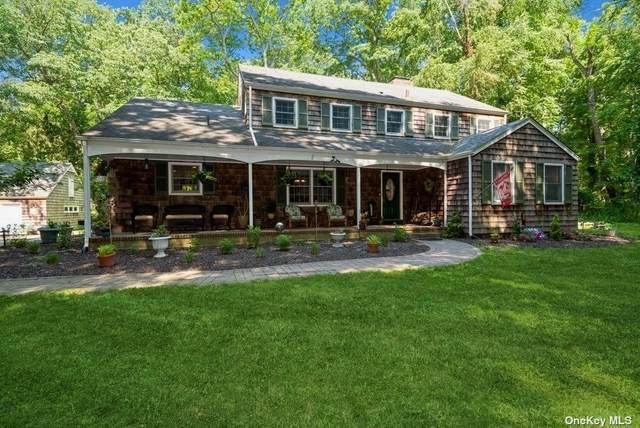 25 Fiddlers Green Drive, Lloyd Harbor, NY 11743 (MLS #3320774) :: Carollo Real Estate
