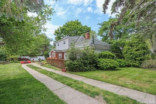 282 Edgewood Street, Islip Terrace, NY 11752 (MLS #3320827) :: Barbara Carter Team