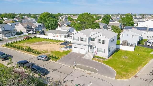44 Shore Road, Lindenhurst, NY 11757 (MLS #3320834) :: Barbara Carter Team