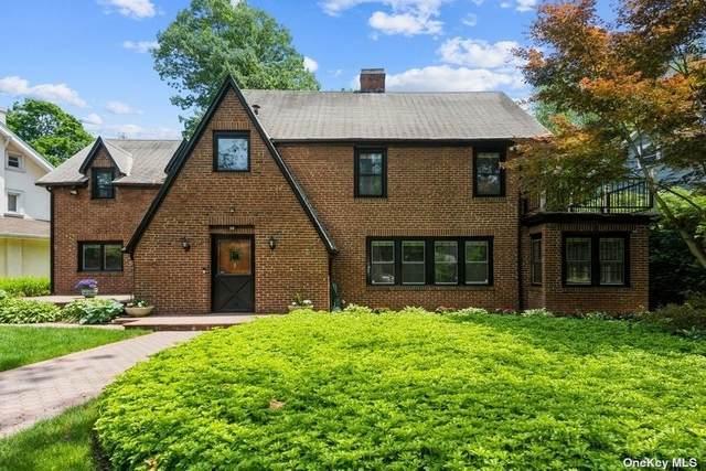 36 Cedar Drive, Great Neck, NY 11021 (MLS #3320855) :: Carollo Real Estate