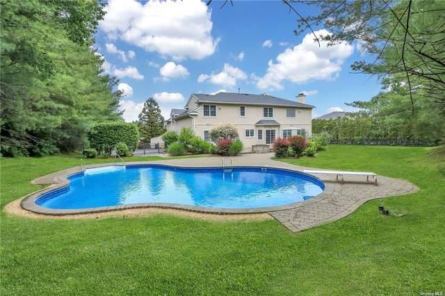 Woodbury, NY 11797 :: Carollo Real Estate