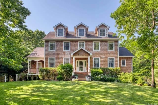 10 Balcomie Lane, Southampton, NY 11968 (MLS #3321220) :: Mark Boyland Real Estate Team