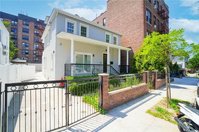 924 E 15th Street, Midwood, NY 11230 (MLS #3321374) :: Mark Boyland Real Estate Team