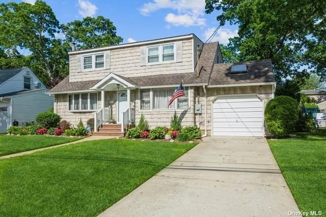 221 Victory Drive, Massapequa Park, NY 11762 (MLS #3321402) :: Mark Boyland Real Estate Team