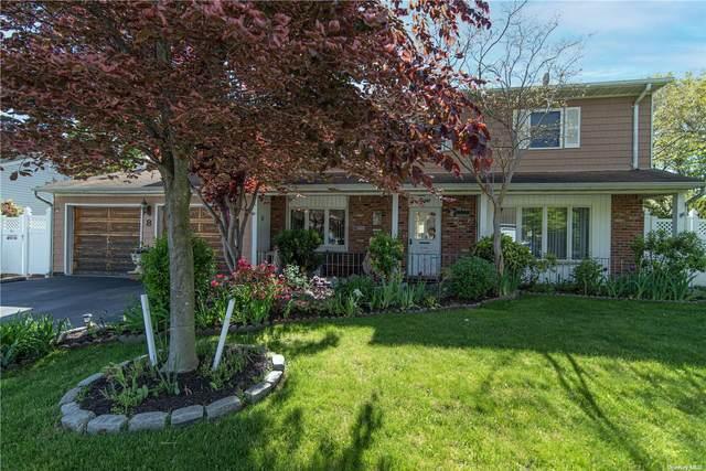 8 Singingwood Drive, Holbrook, NY 11741 (MLS #3321432) :: Kendall Group Real Estate | Keller Williams