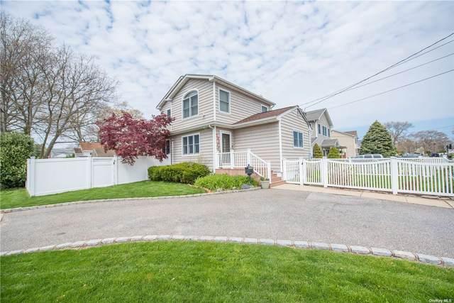 701 Mccall Avenue, West Islip, NY 11795 (MLS #3321671) :: Mark Boyland Real Estate Team