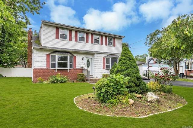 109 Edgewater Avenue, Bayport, NY 11705 (MLS #3321778) :: Mark Boyland Real Estate Team