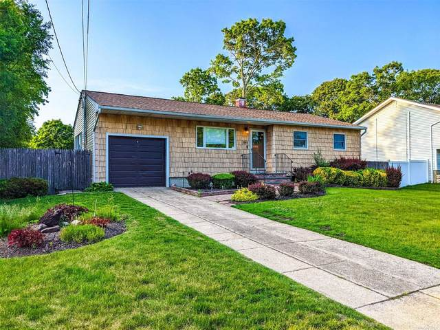 243 Manhasset Street, Islip Terrace, NY 11752 (MLS #3321785) :: Mark Boyland Real Estate Team